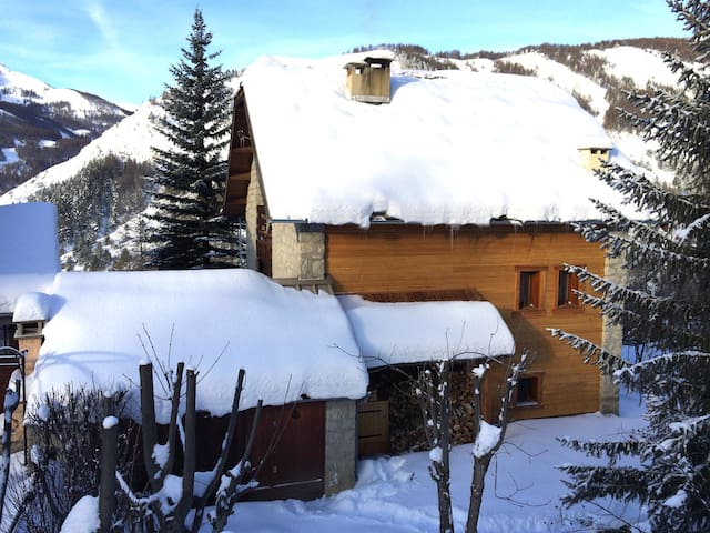 Nice chalet, 9 people, 120 m2 - Allos - Xalet