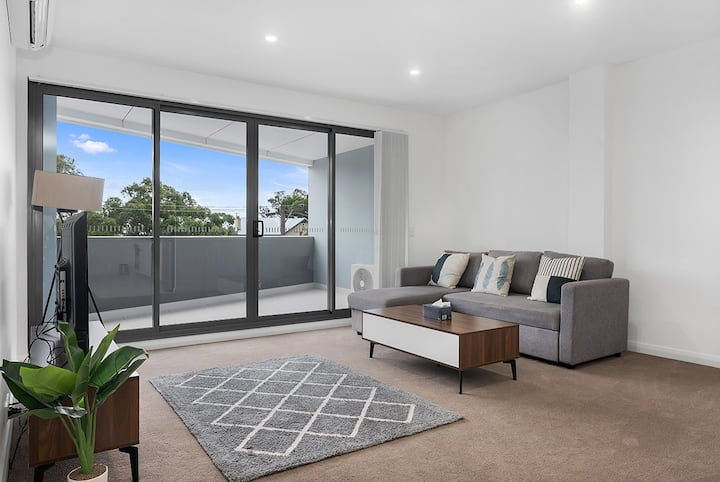 ☼Bankstown Brand new 2Br Near Station Free WIFI☼