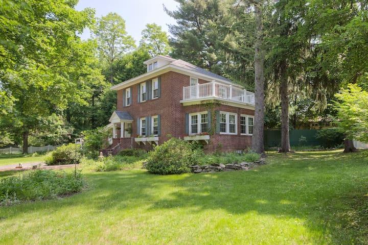 Charming Brick House -Hudson Valley - Poughkeepsie - Hus