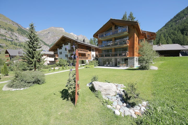 Chalet Altesse, serviced apartments, 2nd floor