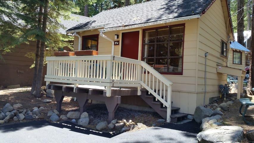 Fir Cabin - Tahoma - Cottage