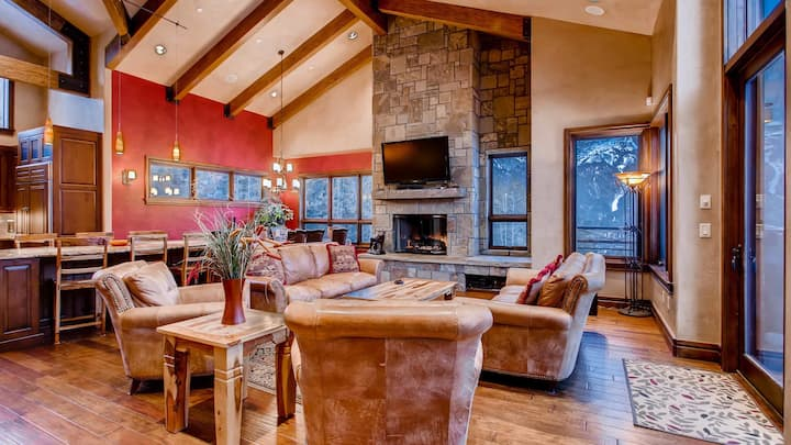 Lewis Ranch Lodge: True Ski-in/Out Home, Private Hot Tub, Pool Table, Theater| Sleeps: 6 Bedroom, 7.5 Bathroom