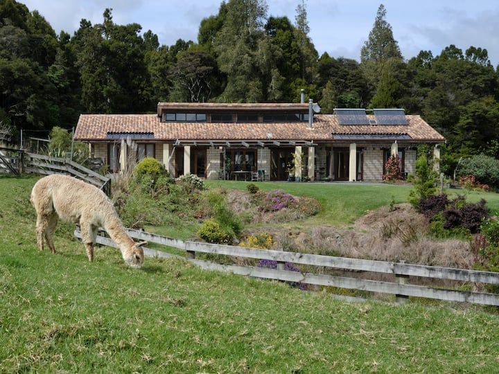 Alpaca Farmstay - self contained