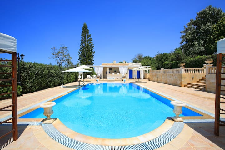 Villa Athina-Private pool-WiFi-AC