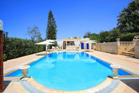 Villa Athina-communal pool  -WiFi-AC
