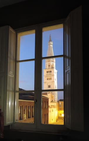 MODENA, your room with a view - Modena - Apartment