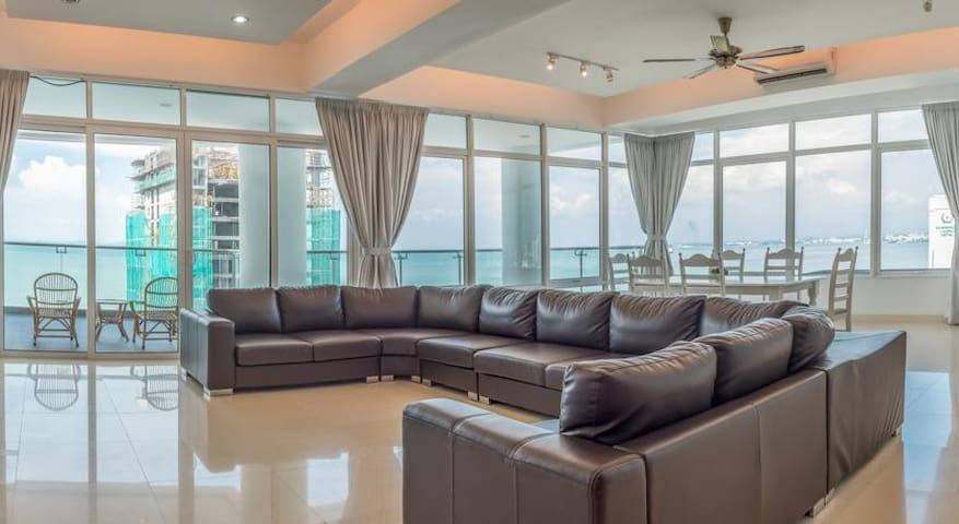 Gurney Seafront Super Condo 4 Rooms - George Town - Kondominium