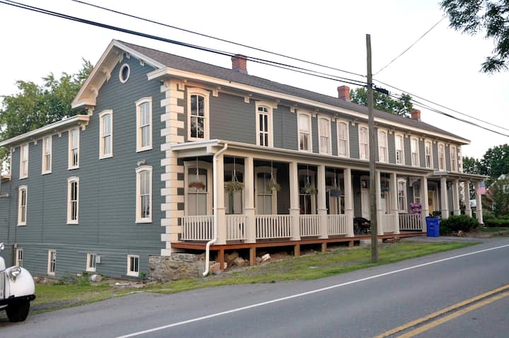 Historic Apartment in Frederick Co.