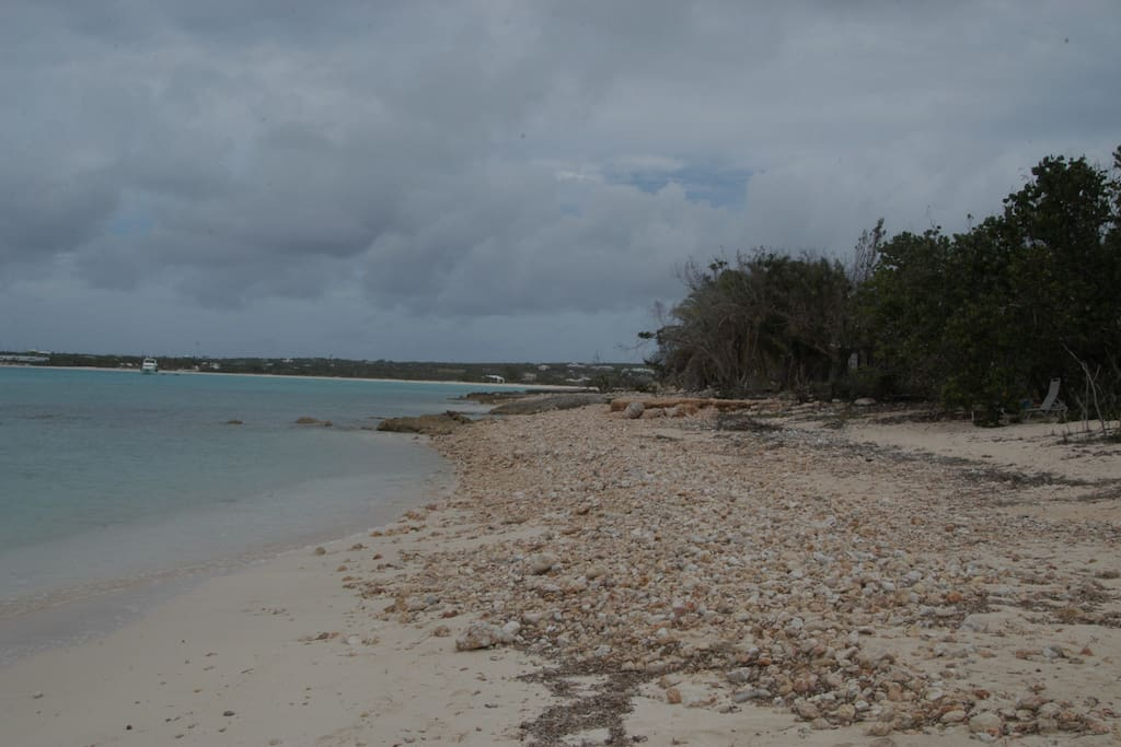 Small cove near the villa on Rendezvous Bay