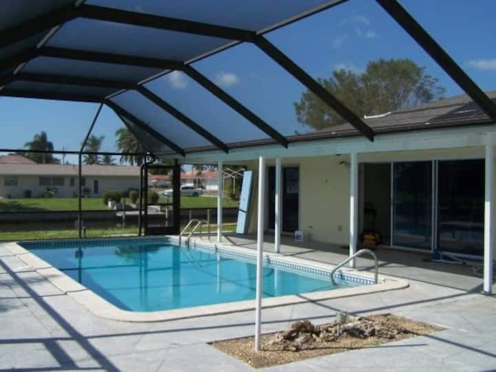 Gulf access pool home