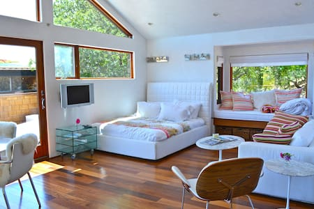 Modern Studio above home in Marin - 肯特菲尔德(Kentfield)