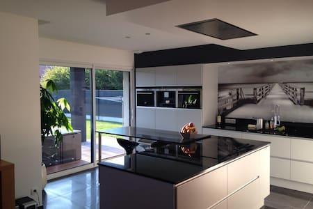 Superbe chambre dans maison moderne - Hazebrouck