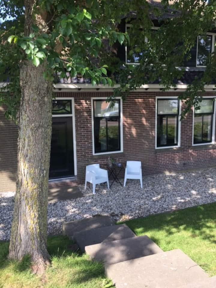 Gastenkamer in Westfriese boerderij  Alkmaar-Hoorn