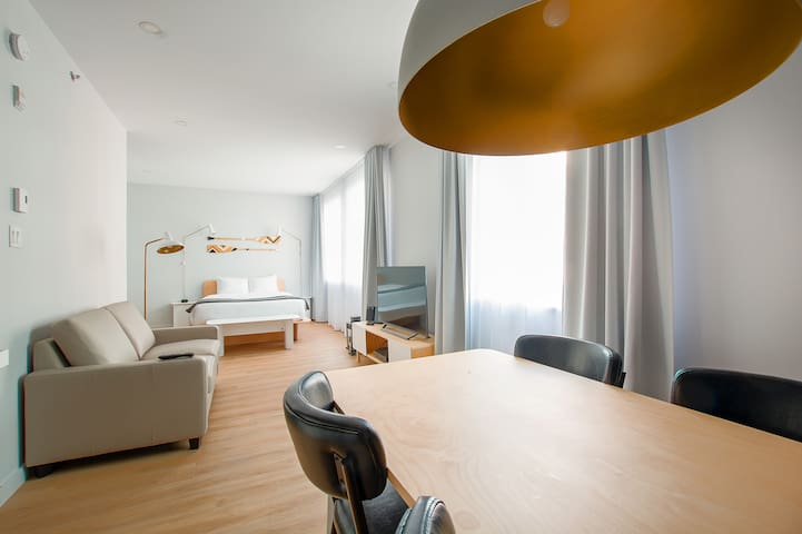 4th floor family penthouse in the heart of St-Roch