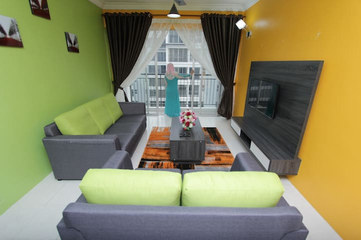 Casa Mewah Homestay@Hijauan Hights Bangi_Putrajaya - Kajang - Apartament