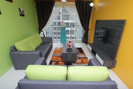 Casa Mewah Homestay@Hijauan Hights Bangi_Putrajaya - Kajang - Wohnung