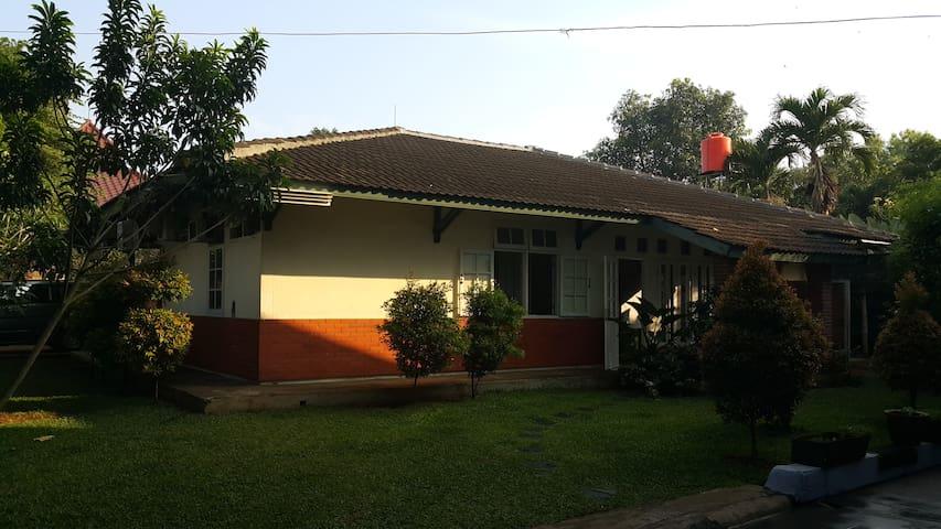 Rumah Asri di Selatan Jakarta - Cinere - Rumah