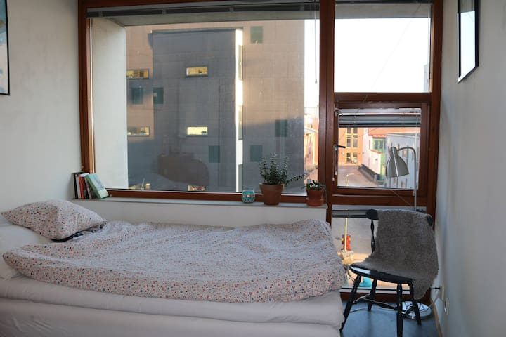 Comfortable room with great seaside location - Malmö - Apartment