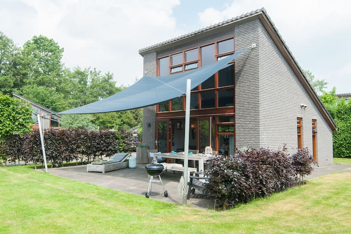 Appealing Holiday Home in Schoorl with Fenced Garden