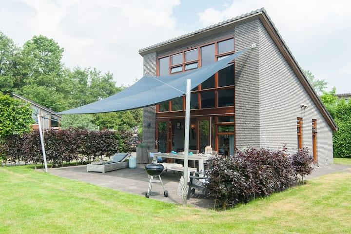 Modern holiday home located against the dunes between Schoorl and Bergen