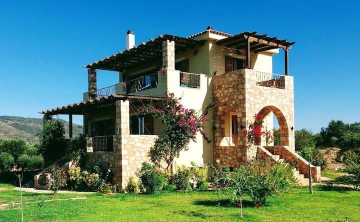Villa Othon-Leni,  Demonia-Monemvasia