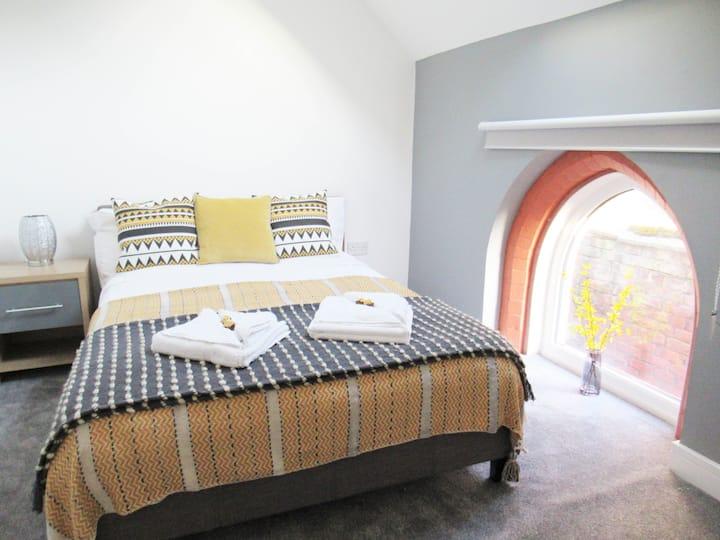 Flat 3, Triplex Apartment, Sleeps 4