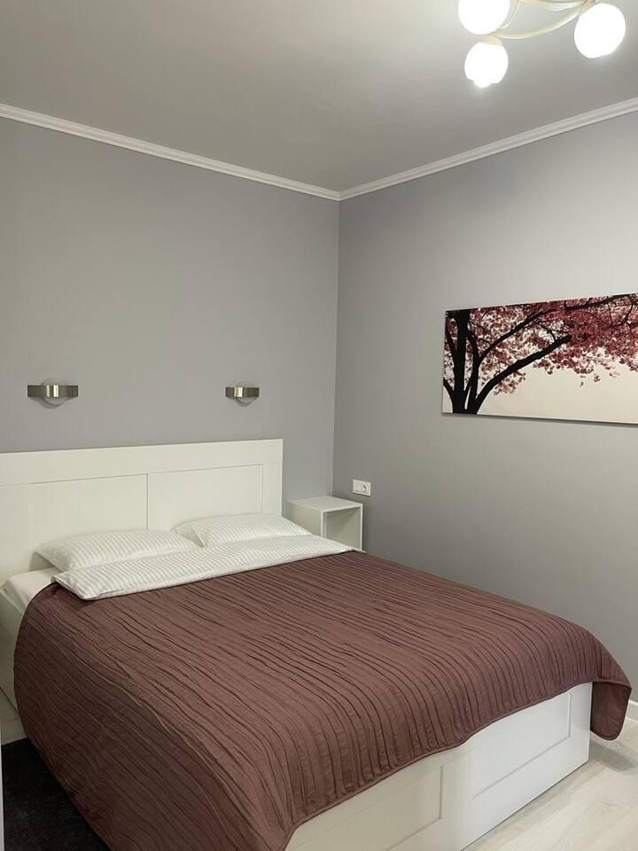 Уютная квартира в новом доме в центре города