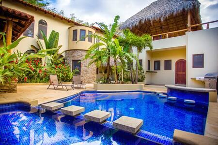 Casa Calala-Coastal vacation villa, surf & relax