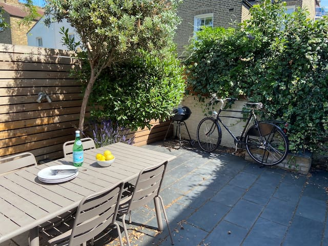 Charming 2 bed apartment in safe Fulham