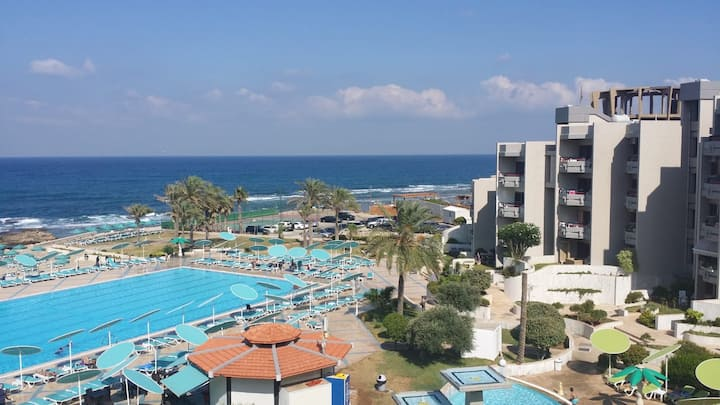 Spacious chalet in Aqualand Resort, Batroun