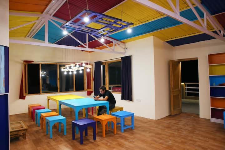 Quadrupal Shared Room@goStops Leh