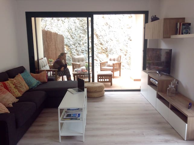 NEW APARTMENT WITH BIG TERRACE! P + WIFI included! - Cadaqués - Apartment