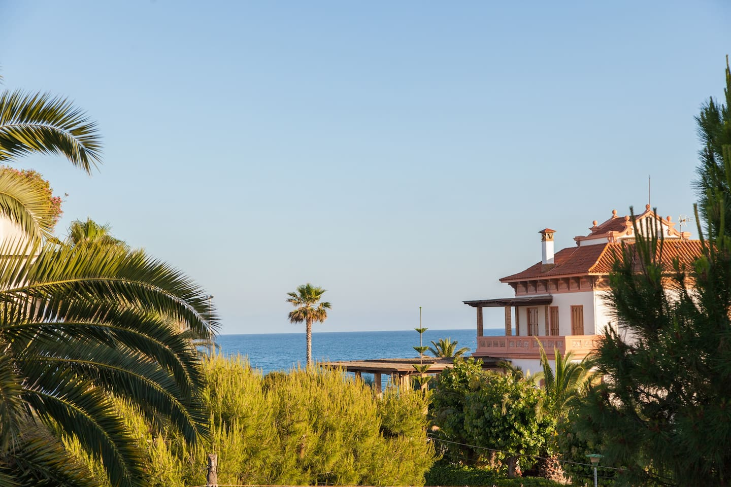 Sitges Villa Tupinetti with view on Sea. At 100 meters from Beach- Sitges Paseo, and 800 meters from Sitges Center City.  Villa renewed on 2018 year.  Belong to a fundation.  One of our Sitges Villas. Weekly Villas.