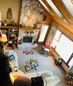 Peaceful River Home on  the Muskegon River!