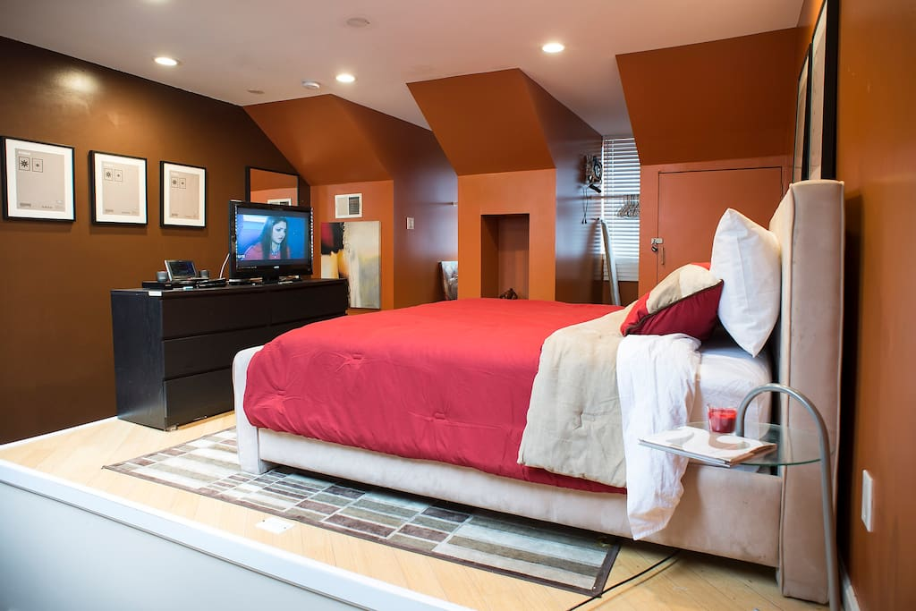Upper level with King Bed, 38 inch television with cable, apple TV, netflix etc. Price included up to two ( 2) guests.