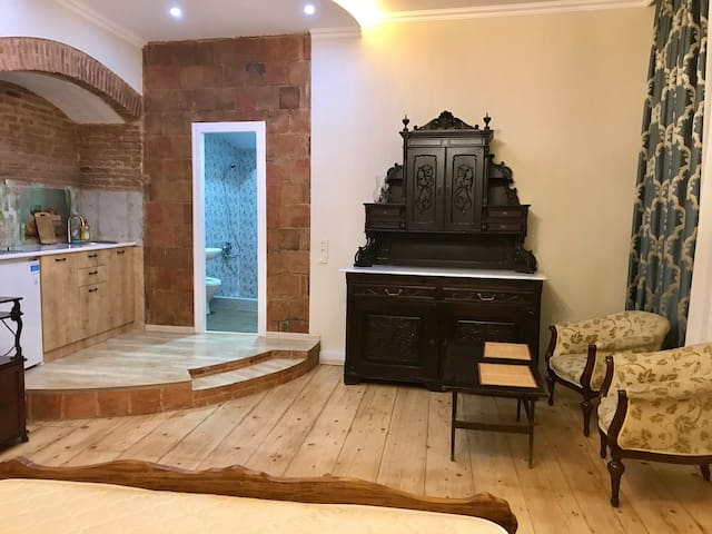 Guesthouse in sulfur bath district in OLD Tbilisi