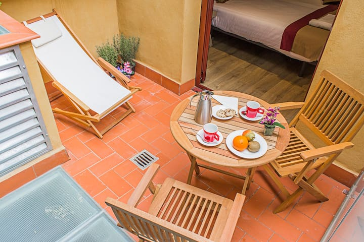 Superior Room with Terrace in Sagrada Familia