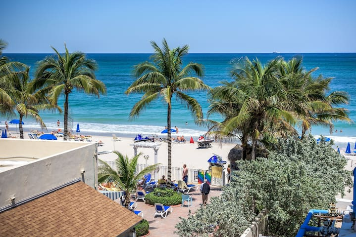 Private Beach/large pool/studio - Fort Lauderdale - Apartamento