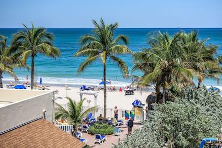 Private Beach/large pool/studio - Fort Lauderdale