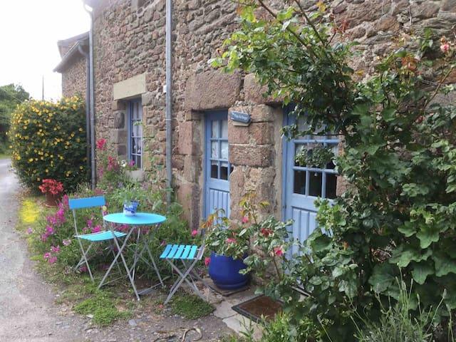 Maison de famille de charme  bord de mer Bretagne