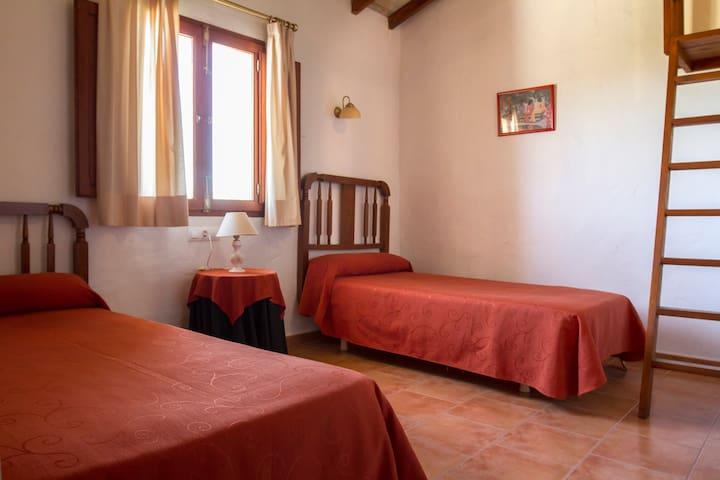PINET. Habitación2 CasaRural H.Pere - Quatretonda - บ้าน