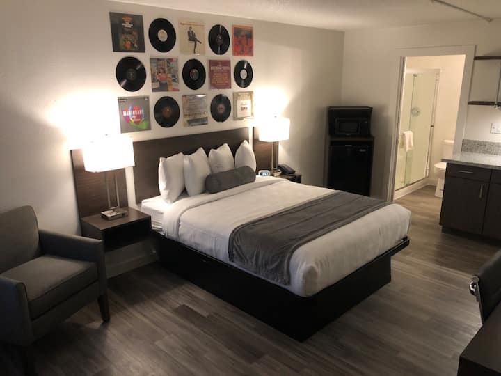 **Stylish Hotel Room in Music City!**