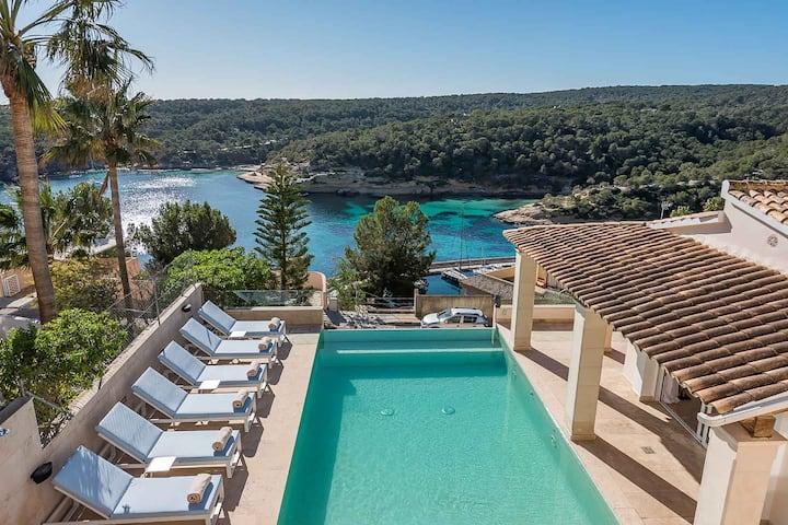 Luxury Villa with panoramic sea views