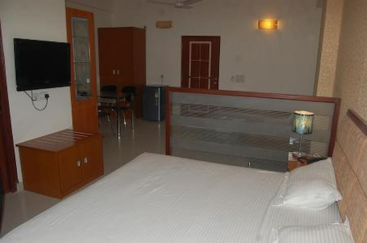 Excellent studio with all amenities - Vrindavan