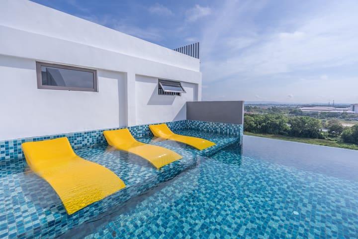 Simplistic 1Bedroom Studio | Pool View-Discounted!