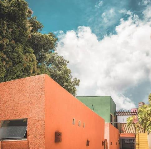 Acomodação compacta no centro de Cuiabá
