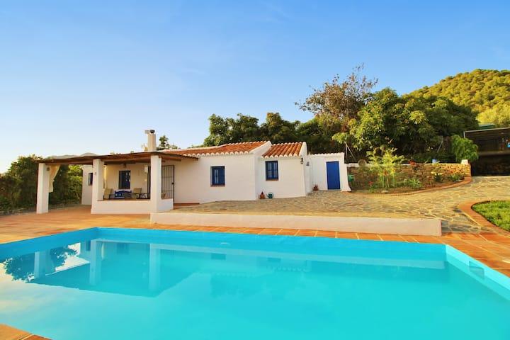1039 Villa Cuatro Caminos