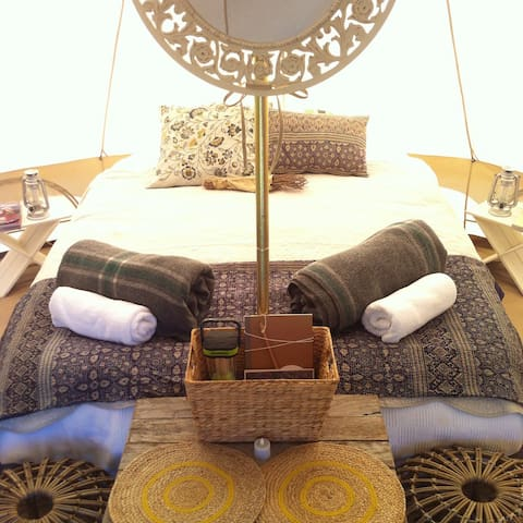 Glamping Tents at Noosa North Shore Camp Ground - Verrierdale - Tält