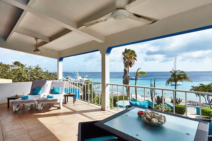 Bonaire Oceanfront Apartments: Penthouse
