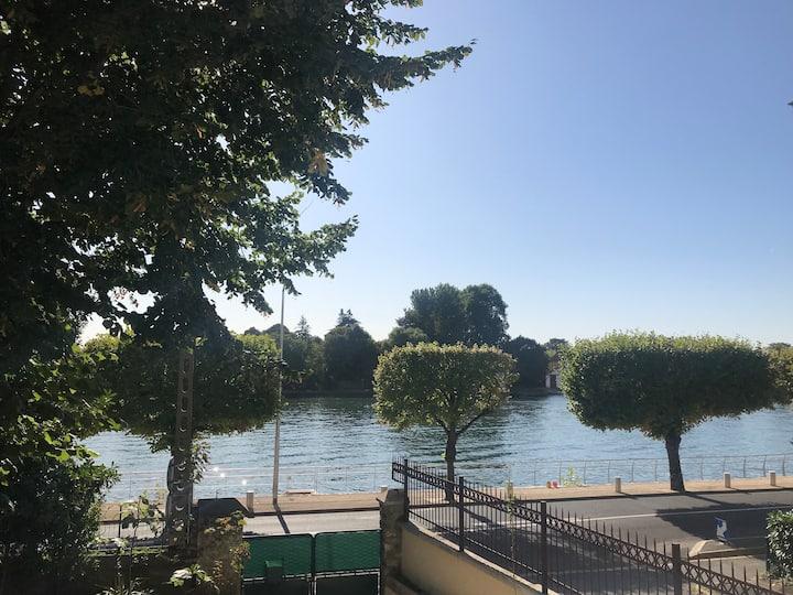 House with Seine view !  Paris 15min! Orly 10 min